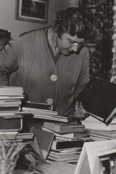Jitka Jakubková-Jesenská, ředitelka knihovny v letech 1950 - 1979.