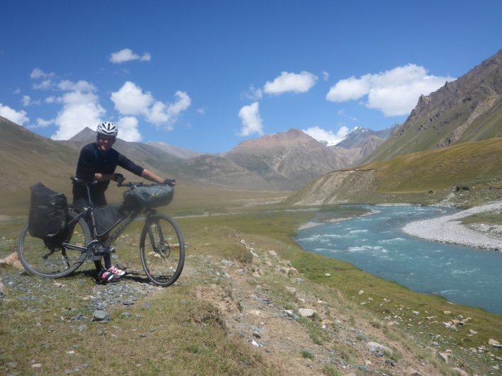 Kyrgyzstán: Sám na kole horskou divočinou Ťan-Šanu